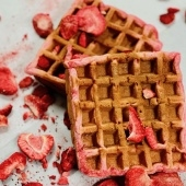strawberry waffles (gf)