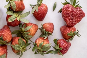 3 Ways to Use Strawberries